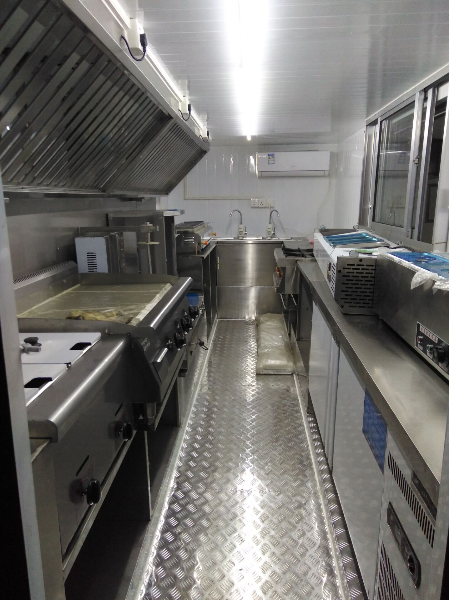 Mobile Food Kitchen Truck